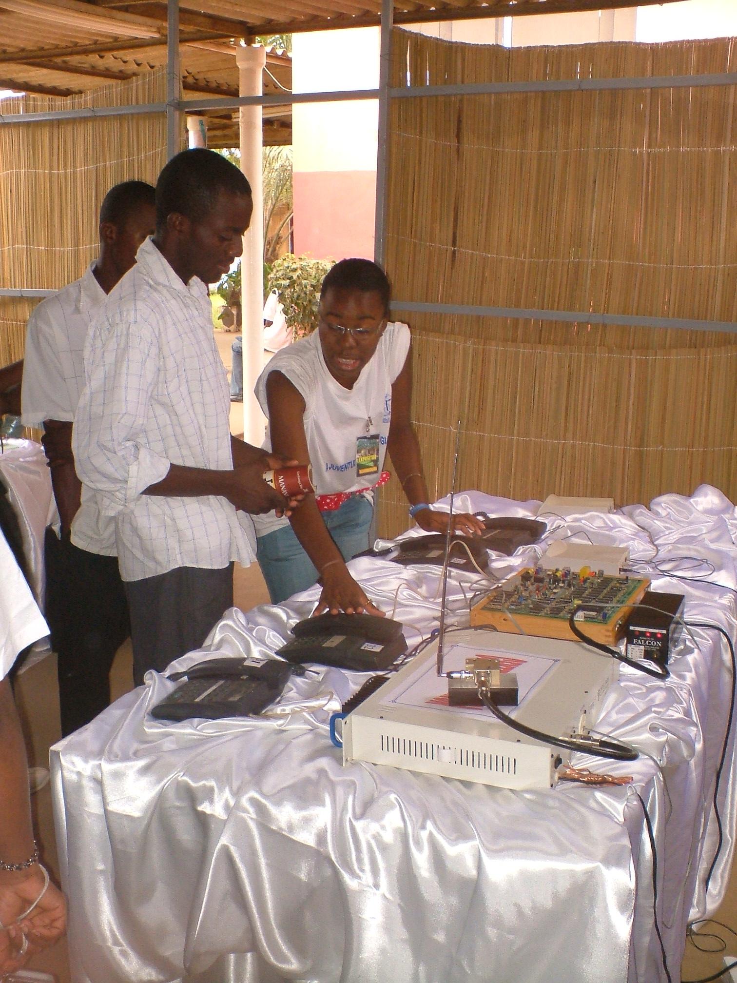 Adhesivo De Bicicletas ~ Instituto de Telecomunicações em Angola (ITEL) Feira Tecnologica Estive lá Switching News